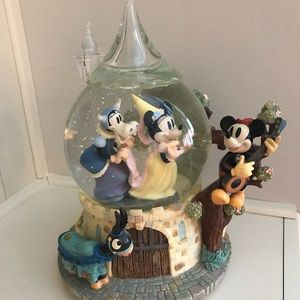 Vintage Disney Mickey Mouse Snow Globe